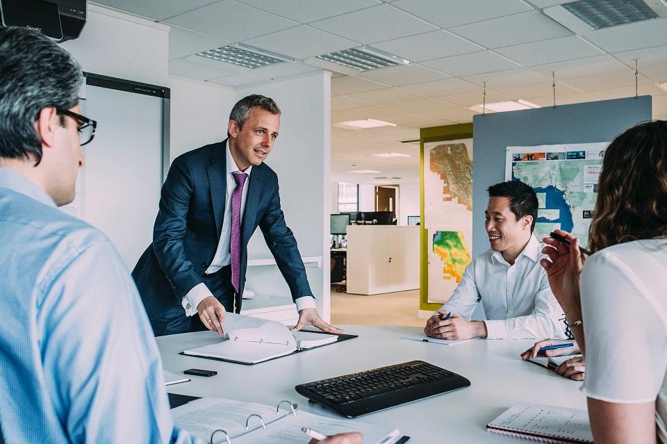 3 Keuntungan Menggunakan Proyektor dalam Bisnis
